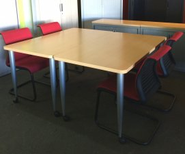 TABLE POLYVALENTE STEELCASE