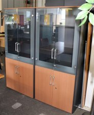 ARMOIRE STEELCASE A PORTES VITREES